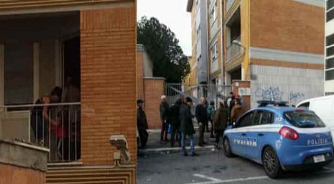 """Napoli, 17enne 'zingara' chiede aiuto a Polizia: """"Mi hanno rapita da piccola"""""""