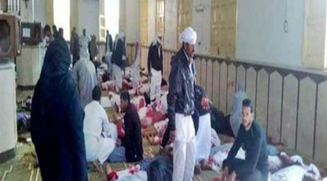 Egitto: terroristi islamici avevano bandiera ISIS, fanno 305 morti