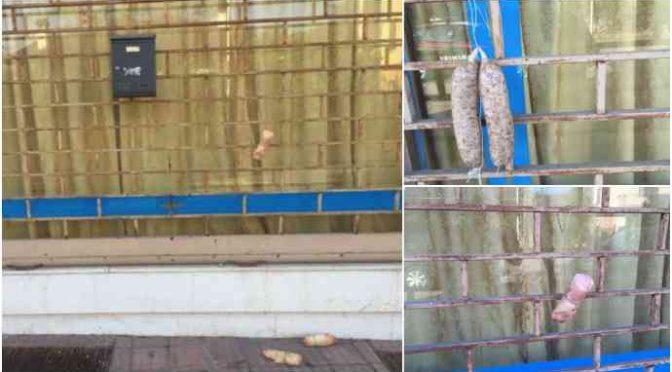 Zampe di maiale e cotechini in dono alla moschea abusiva – FOTO