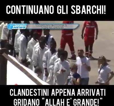 """Gridano """"Allah è grande"""" allo sbarco, ma il video è falso"""