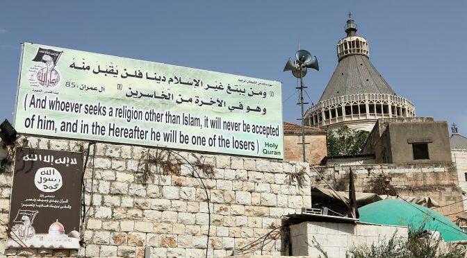 Sindaco islamico cancella il Natale a Nazareth: vendetta contro Trump