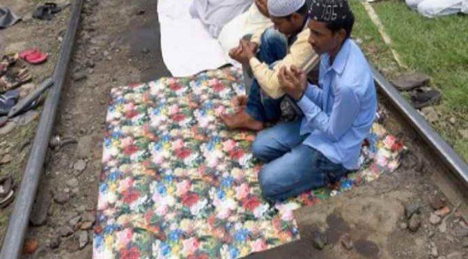Salerno, Islamici pretendono di pregare sui binari