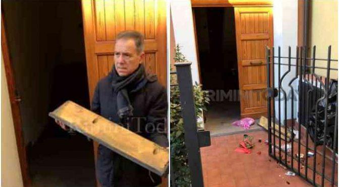 """Rimini islamica: """"Fascista, non toccare la moschea"""""""
