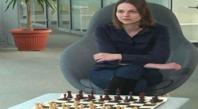 """Scacchi, campionessa che boicotta mondiali in Arabia: """"Sharia incompatibile con donne"""""""