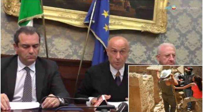 Profughi-custodi a Pompei, è rivolta: «Non li vogliamo come colleghi»