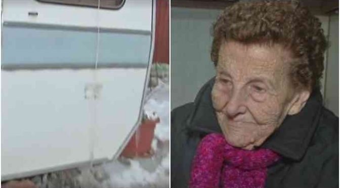 "Natale in roulotte per Barbara, 89 anni: ""Abbandonata da Governo"" – VIDEO"