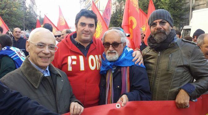 """Parroco rosso scomunica Patrioti: """"Chi è contro accoglienza non può fare la comunione"""""""