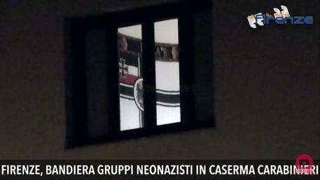 Bandiera non nazista in caserma, carabiniere costretto a scusarsi per un reato immaginario