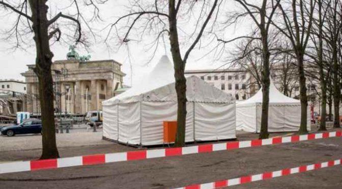 Capodanno a Berlino: gabbie per proteggere donne dai profughi