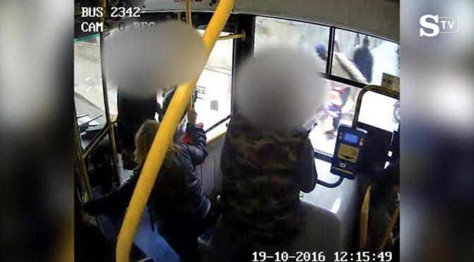 Si masturba su bus e gode su passeggera, tribunale ribalta 'sentenza'