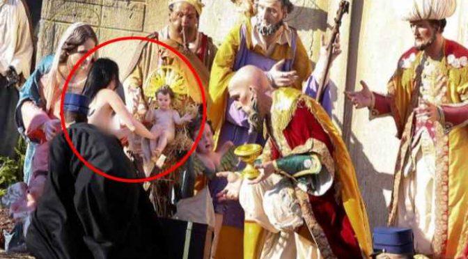 Parroco invita le Femen: «Venite al nostro presepe vivente, dove Gesù è una femmina nera»