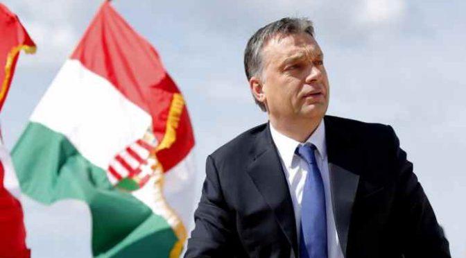 """Orban arriva a Bruxelles: """"Dobbiamo fermare l'invasione"""""""