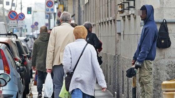 Milano, ogni mendicante nigeriano incassa 50 euro al giorno: esentasse