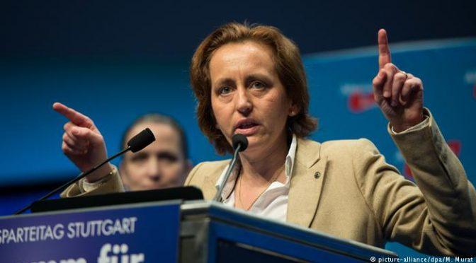 Merkel vuole arrestare leader opposizione per tweet anti-islamico