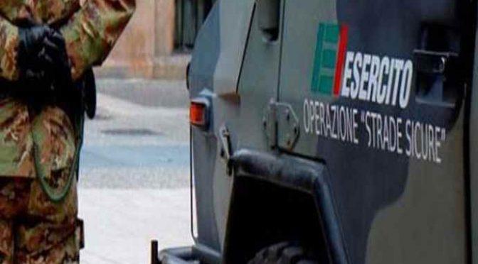 Profugo attacca due militari, tenta di sfilare pistola
