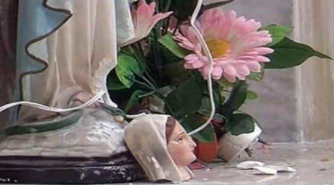 Salerno: decapitata Madonnina, scritte anti cristiane – FOTO