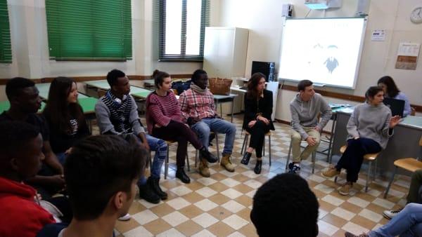 Alternanza scuola lavoro: studentesse al servizio dei profughi