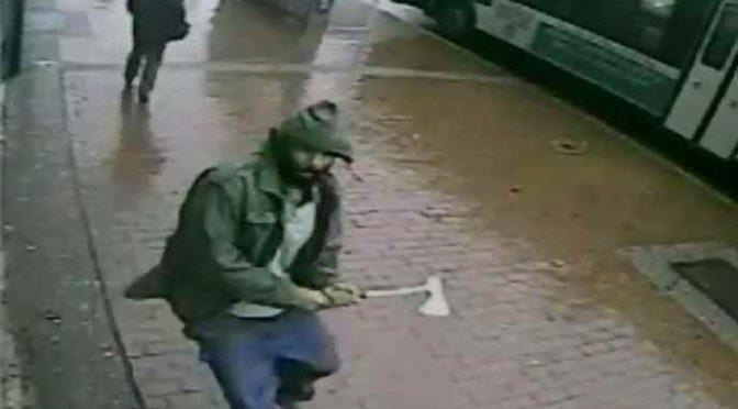 Terrore, profugo islamico armato di ascia attacca passanti