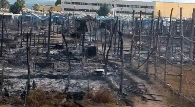 Clandestini incendiano baraccopoli, distrutta: ora gliene faremo una nuova