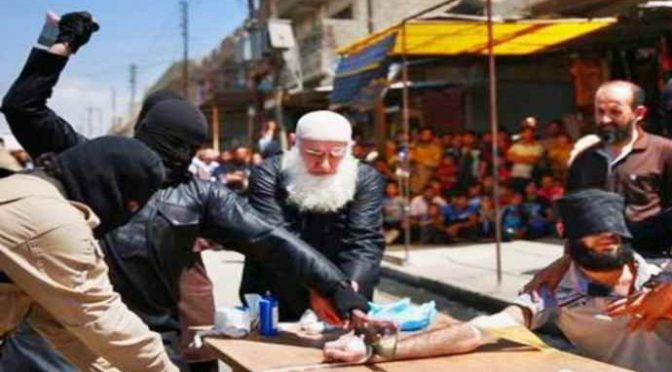 'Barba bianca': il boia di Isis corrompe guardie e fugge