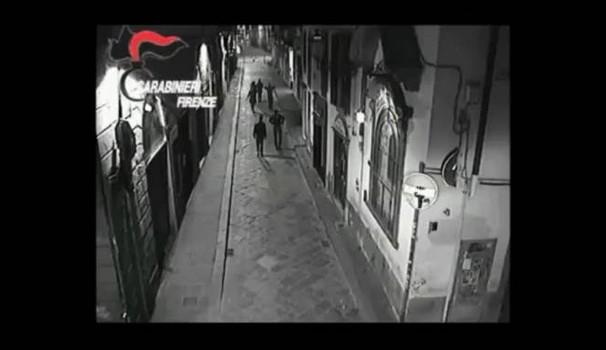 Firenze, Marocchini pestano passanti: Sindaco PD si preoccupa dei Marocchini – VIDEO