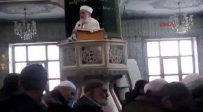 """Imam: """"Kamikaze non sufficienti, abbiamo bisogno di armi nucleari per governare infedeli occidentali"""" – VIDEO"""