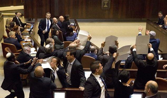 Israele, deputati arabi contestano Pence alla Knesset (a proposito di ius soli)  – VIDEO