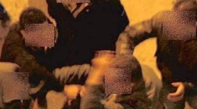 Soccorre figlio disabile molestato da zingari: pestato a sangue
