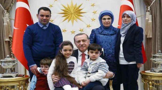 """Erdogan, patto con gli imam: """"Sì matrimonio per bimbe 9 anni"""""""