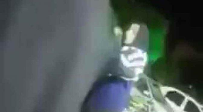 La trovano in giro senza velo, scatta violenza – VIDEO