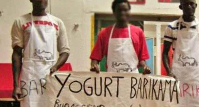 I profughi furiosi per lo yogurt, arriva la polizia