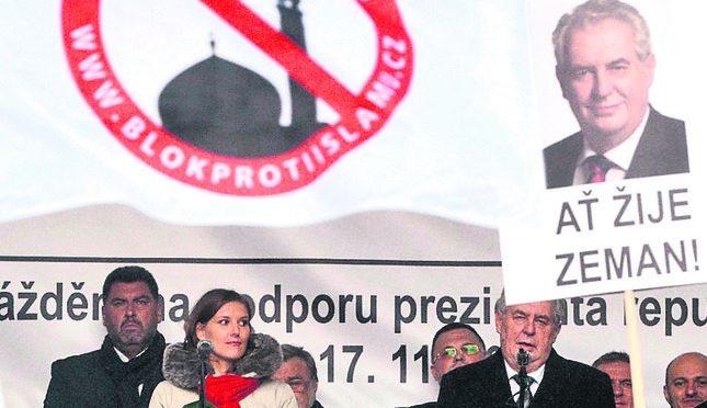 Elezioni Cechia, Zeman trionfa: un altro mandato per presidente anti-islamico