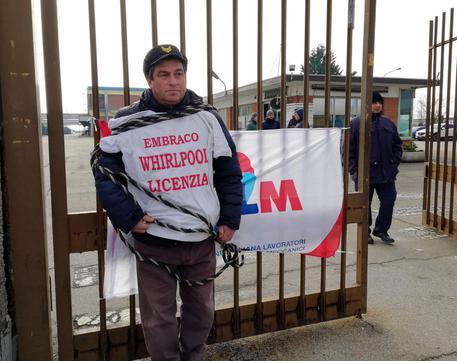 Embraco licenzia 500 italiani, governo chiede aiuto a Bruxelles