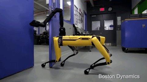 Arrivano i robots che aprono le porte da soli – VIDEO