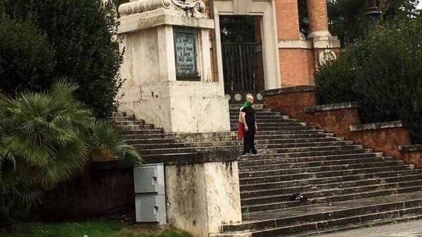 Luca Traini: a genitori e fratelli impedite le visite, lui va a Messa