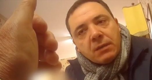 """Napoli, il politico PD: """"Dammi 50mila euro e la Regione ti darà il contratto"""" – VIDEO"""