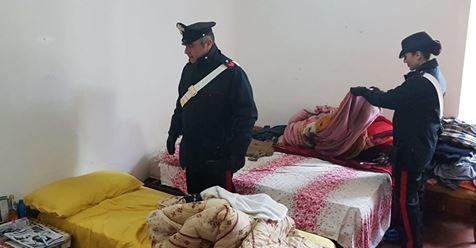 Roma: 120 immigrati in 10 stanze, è l'integrazione