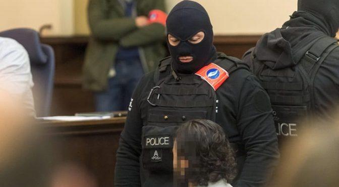 """Salah a Bruxelles per processo: """"Musulmani maltrattati, non vi temo e mi fido di Allah"""""""