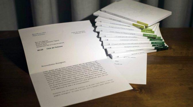 La lettera di elogio di Ratzinger a Bergoglio? 'Photoshoppata'