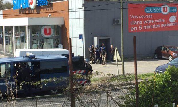 FRANCIA: TERRORISTA ISLAMICO UCCISO IN BLITZ, MORTI E FERITI