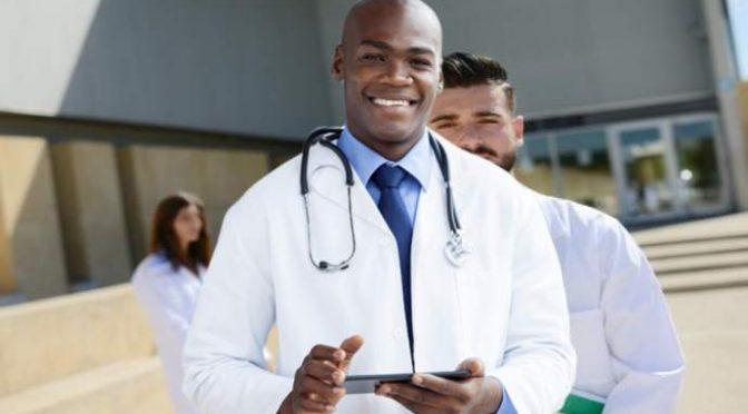 Italiano non può frequentare Medicina, posti riservati a Immigrati