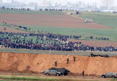 Israele difende confini, spari su islamici: morti