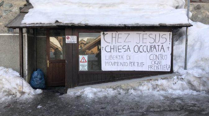 """Chiesa occupata da clandestini che minacciano: """"Calci in culo a chi ci sgombera"""""""