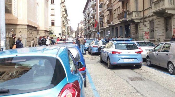 Scappa da polizia e si rifugia in consolato marocchino, agenti irrompono armati