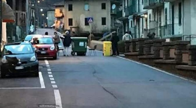 Profughi vandalizzano auto in sosta e bloccano strada perché stipendio da profugo è in ritardo