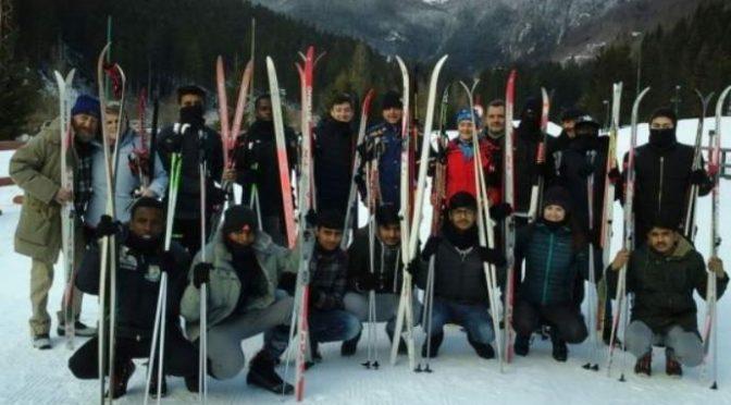 Profughi sulle piste da sci una volta a settimana: pagate voi 990€ al giorno – FOTO