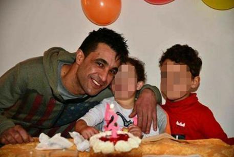 Tunisino fuggito è in Tunisia con i figli, ci restino