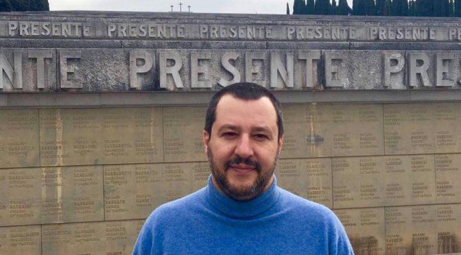 """Salvini onora gli eroi di Redipuglia: """"Prego per i soldati morti in difesa delle frontiere"""""""
