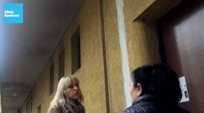 Milano: immigrati occupano case popolari in diretta – VIDEO