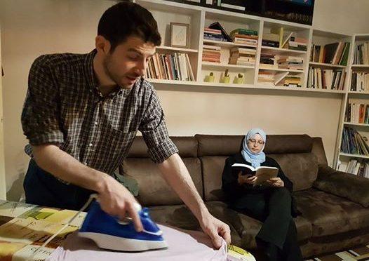 """Islamica PD e il marito che le stira il 'burqa': """"Prendi appunti Isoardi, qui stira mio marito"""""""